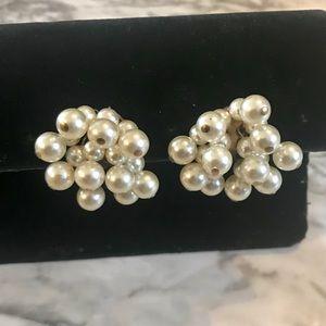 Jewelry - Vintage Faux Pearl Cluster Clip on Earrings